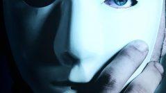 Oculte suas intenções: rosto coberto por máscara